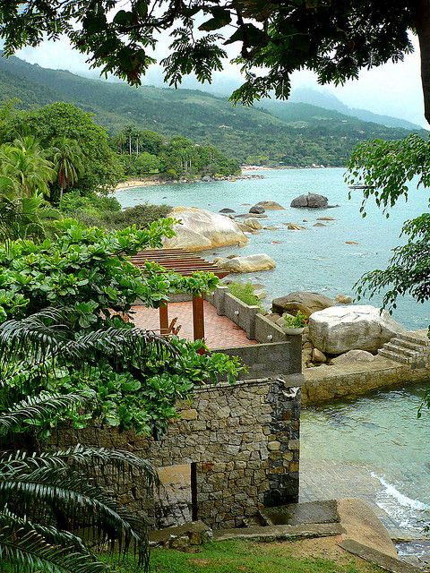 Ilhabela, litoral norte do estado de São Paulo e uma das maiores ilhas do país.