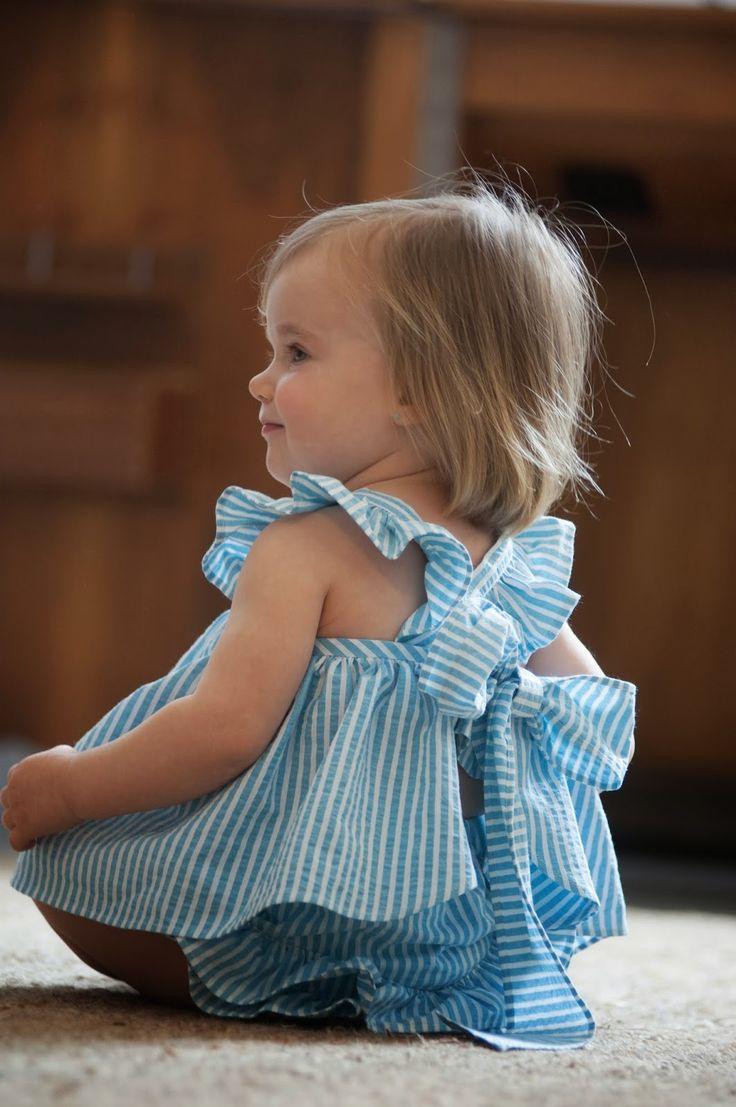 No sin Valentina: Una muñeca vestida de azul...Mandil con braguita en raya Turquesa.