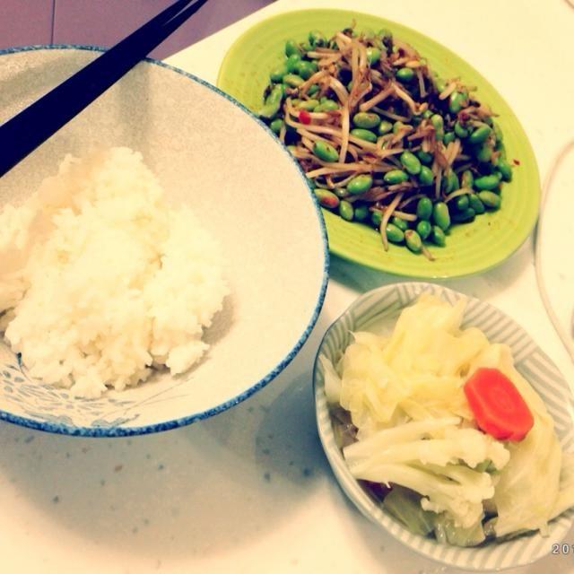 ピリ辛からじゃなくて激辛な炒めものこれまたご飯合う合う - 3件のもぐもぐ - Taiwan風ピリ辛もやしと枝豆と野菜スープ by eikofukuokv8Z