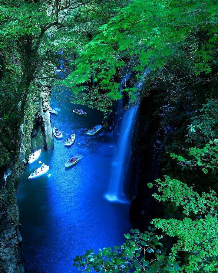 一度見たら忘れられない絶景。宮崎の幻想的な秘境「高千穂峡」の魅力とは | RETRIP[リトリップ]