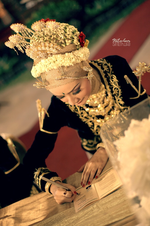 Traditional Javanesse Muslim Wedding | streethijab