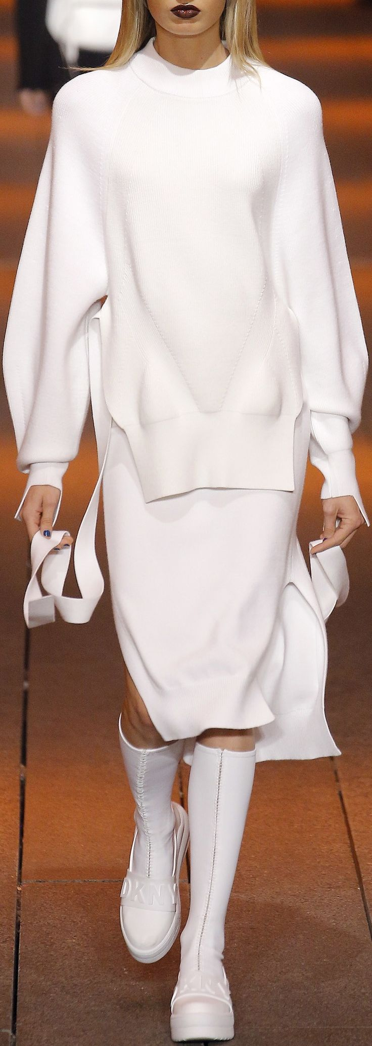DKNY | Spring 2017 Ready-to-Wear