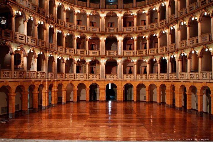 Pavia - Teatro Fraschini