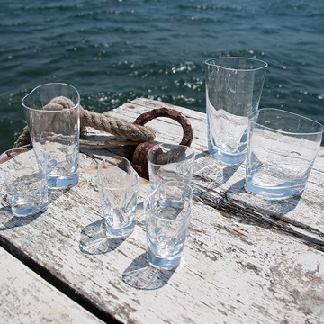 ilio is a Turkish brand of home products that elevates everyday experiences into moments to be cherished. Taking inspiration from the natural world, its collection of handmade glassware reflects old world charm through contemporary forms while striking the perfect balance between artistry and function.