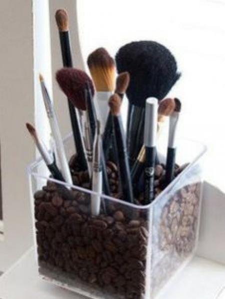 L'Astuce Pour Ranger ses Pinceaux à Maquillage Proprement.