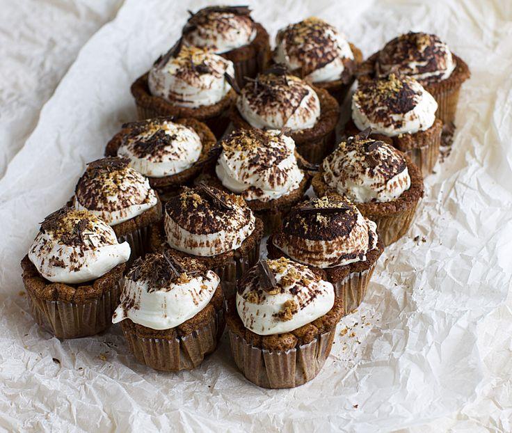 Tiramisu, chocolate cupcakes
