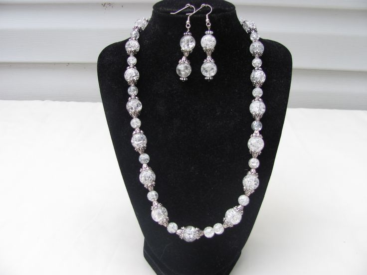 Necklace and earrings - Glass crackle beads