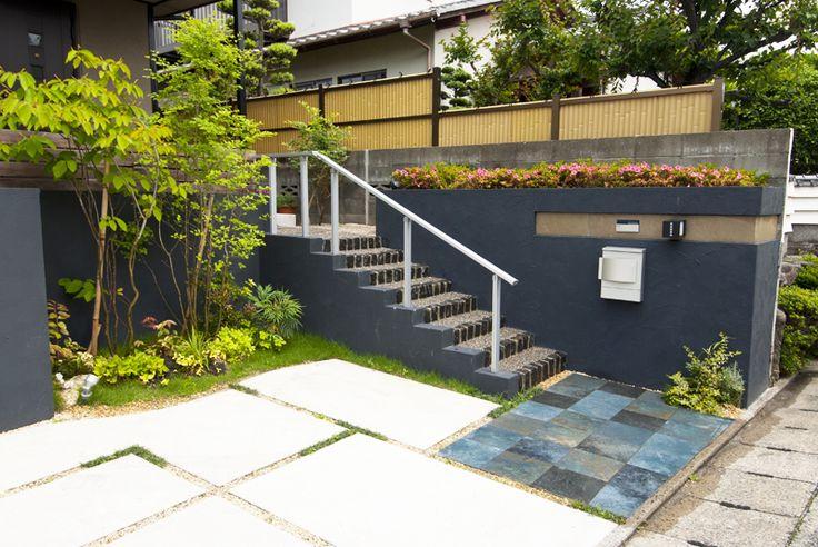 日本風の家屋に合わせた和モダンなイメージのエクステリア