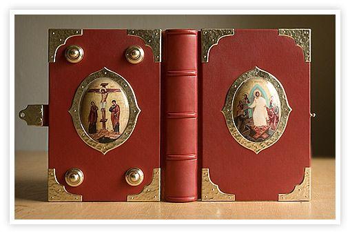 DESIGN STUDIO OF THE BOOKS