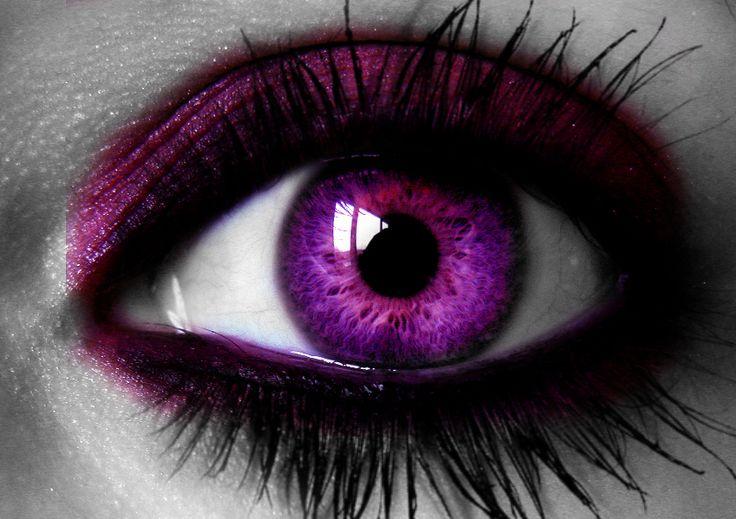 розовые глаза картинка зеленая