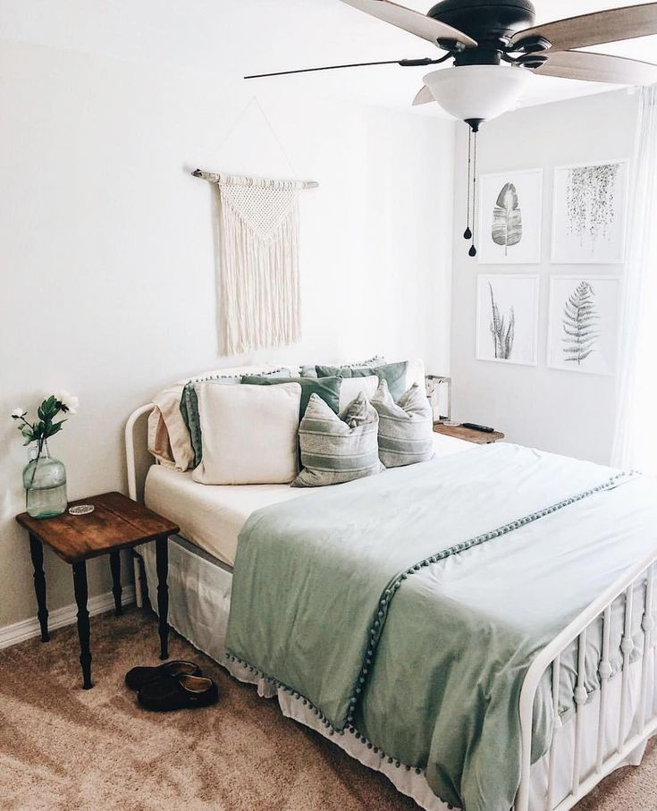 Beautiful Calming Bedroom Decor With A Light Boho Earthy Feel Great For Guests And Master Bedrooms Green Bedroomdecor Bedro Home Guest Bedrooms Home Decor