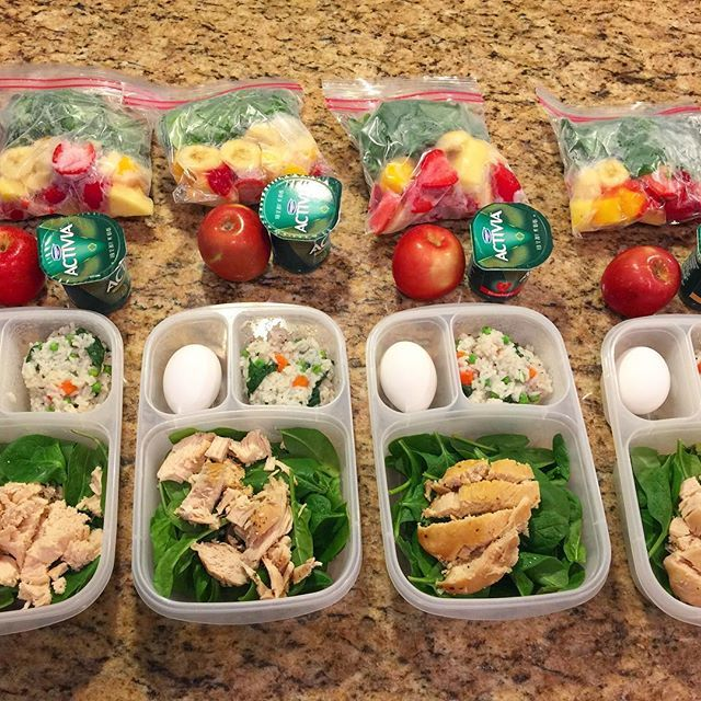 Meal prep for the week. Breakfast, lunch/dinner and snack. #mealprep #easylunchboxes