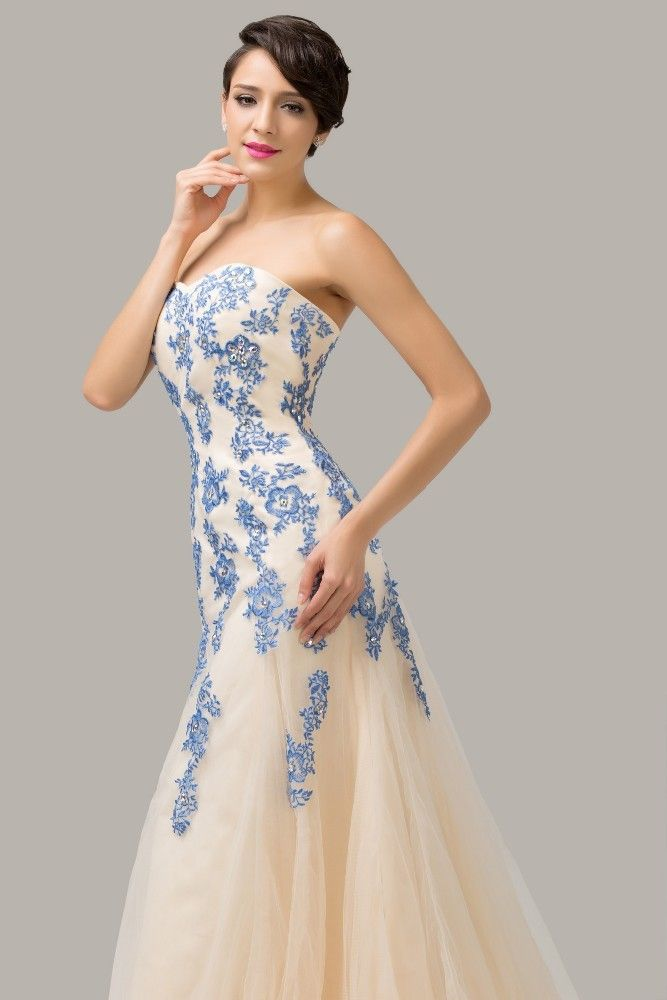 Long dress with blue lace