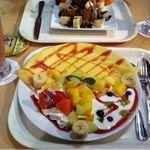フルーツ カフェ タマル フルーツパーラータマル フルーツ TAMARU  広島の果物屋 タマル