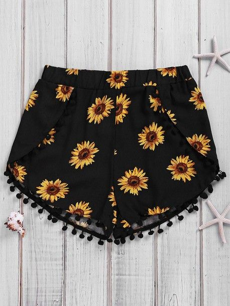 Wheretoget - Black shorts with sunflower print and pompoms