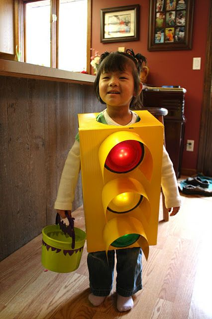 Traffic Light Halloween Costume Idea! #forthekids #carlovers #futurehoseltoncustomers