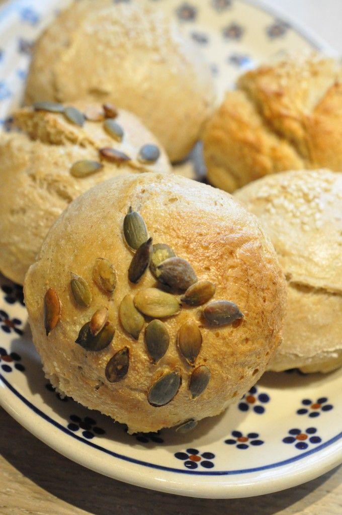 Lækre bløde boller og franskbrød med speltmel, rugmel og havregryn
