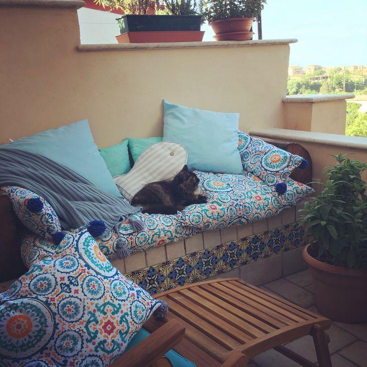 Terrazzo cuscini home Made e stoffe che profumano di estate #progettiAmo