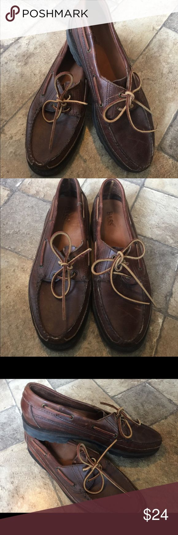 Men's Boat Shoes Leather Nice leather Boat shoes by Bass,Sz 10.5.Nice condition,worn a few times. Bass Shoes Boat Shoes