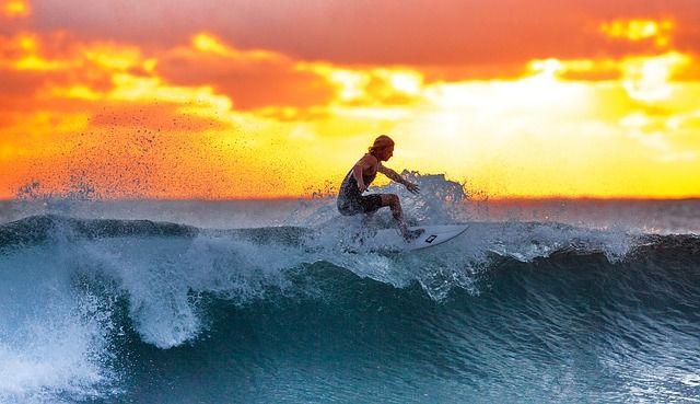 Angin seringkali menjadi penyebab utama terbentuknya gelombang laut. Artikel berikut memberikan wawasan bagaimana ombak laut terbentuk.