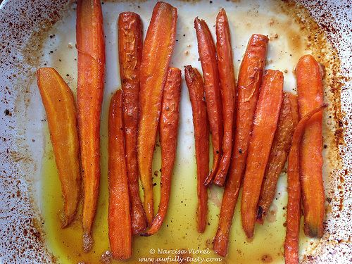 Morcovi copti cu miere si vin.  Roasted carrots with wine and honey.