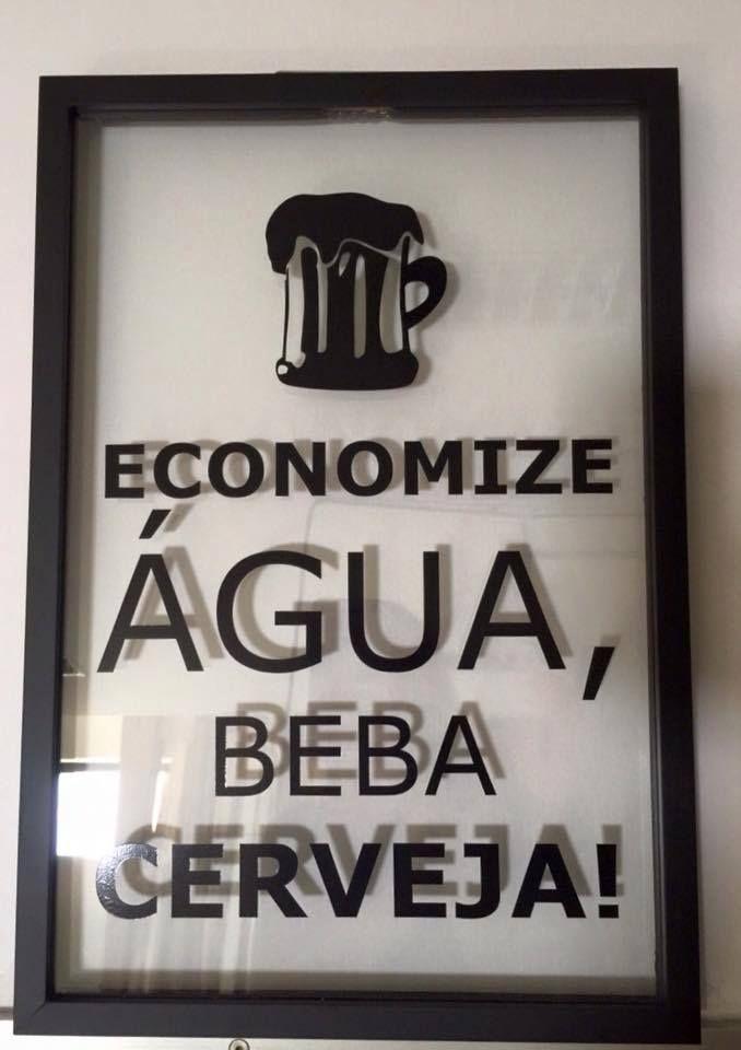 Concorda com a frase?  Montagem sanduíche de vidro, letras adesivadas preta e moldura preta!