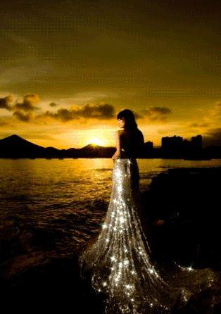 """Sono una stella del firmamento che osserva il mondo, disprezza il mondo e si consuma nel proprio ardore. Io sono il mare di notte in tempesta il mare urlante che accumula nuovi peccati e agli antichi rende mercede.""""Prosegui la lettura ..."""""""