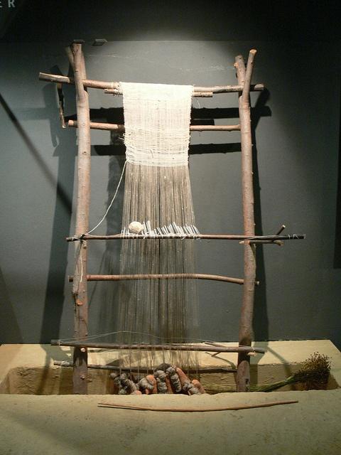 Reconstructed Iron Age Archaic Roman Loom from Germany. Rekonstruert oppstadvev fra det arkaiske Romerriket i Tyskland by saamiblog, via Flickr