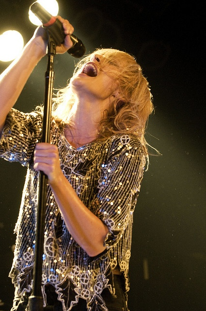 The beautiful Emily Haines of Metric  I want this shirt so badly