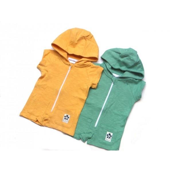no hay papi o mami que no adore estos overall en towel para el verano, con capucha para proteger a los peques del sol