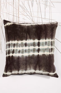 9 best au maison images on pinterest au tie dye and for Au maison cushion