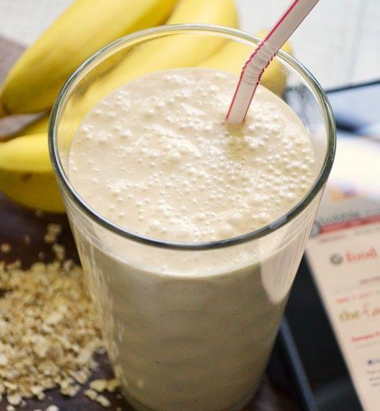 Heb je behoefte aan een snel ontbijt dat vult en ook nog eens lekker is? Ik gebruik dit havermout smoothie recept zelf regelmatig. Voor 1 persoon. Ingrediënten 100g zacht fruit in stukjes (aardbei, framboos, perzik) 1 uitgeperste sinaasappel 1 gesneden wortel 1/2 banaan in stukjes 150ml yoghurt 25g havermout Bereiding Doe het fruit en de groente in een blender en mix alles fijn. Doe vervolgens de yoghurt en de havermout erbij en laat de blender nog een paar keer flink shaken. Schenk de s...