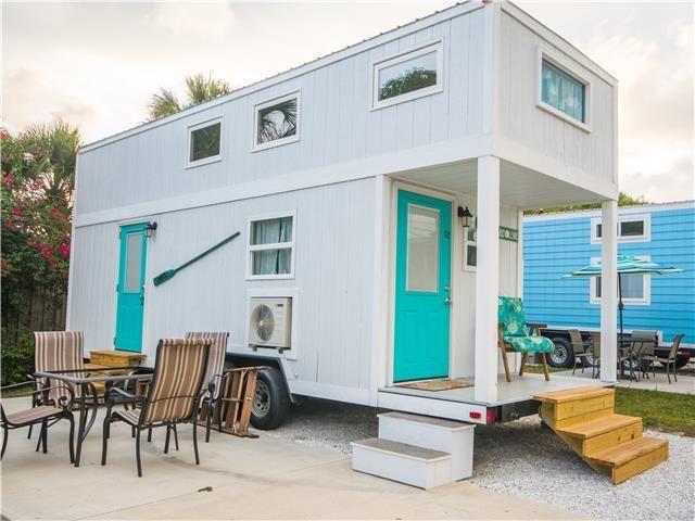 12 best tiny house beach resort tinyhousebeachresort vacation rentals near siesta key. Black Bedroom Furniture Sets. Home Design Ideas