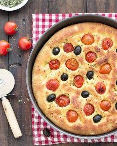 картофель фокачча с оливками и помидорами черри