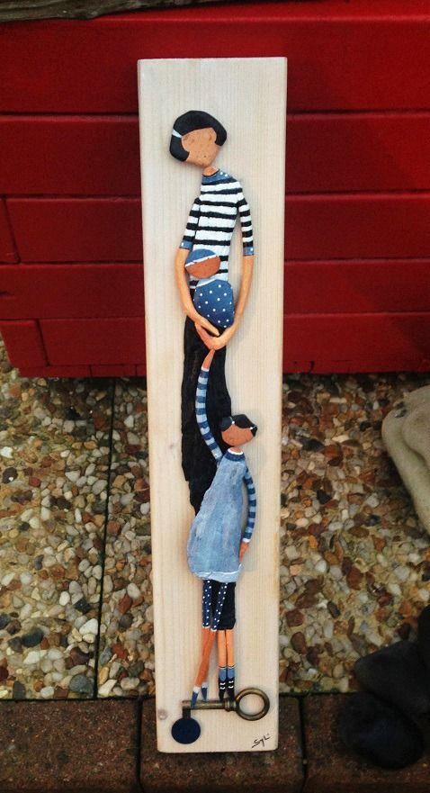 """""""La maman et ses deux enfants"""" au bois flotté : Autres art par les-toiles-de-mer-de-syl"""