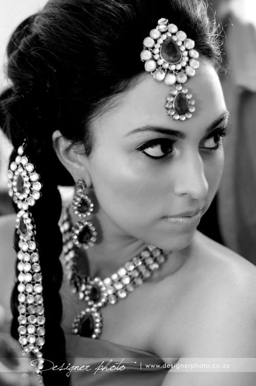 Love the hair accessory in her braid, and her GORGEOUS tikka!