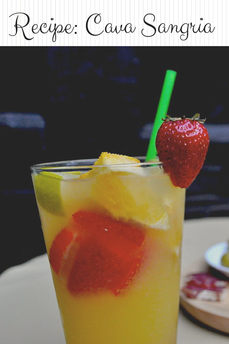 You've probably heard of Spanish sangria, but what about sangria de cava? The fancier (and bubblier) version of Spanish summer wine is a cocktail. Here's our refreshing recipe! http://devourbarcelonafoodtours.com/recipe-sangria-de-cava/