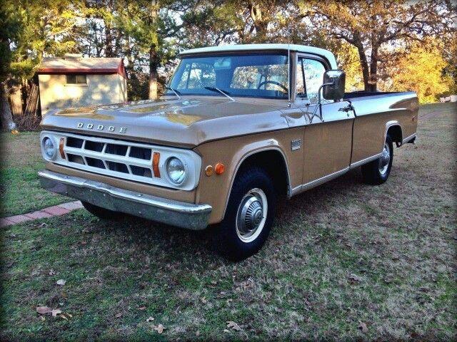 1969 Dodge D-100 Pickup