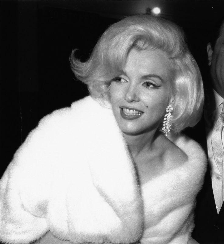 Annex+-+Monroe,+Marilyn_NRFPT_001.jpg (1465×1600)