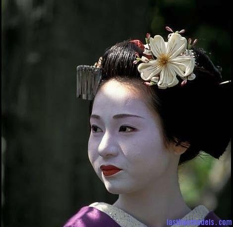 Traditional Chinese hairstyles. Mulan 2013 Pinterest