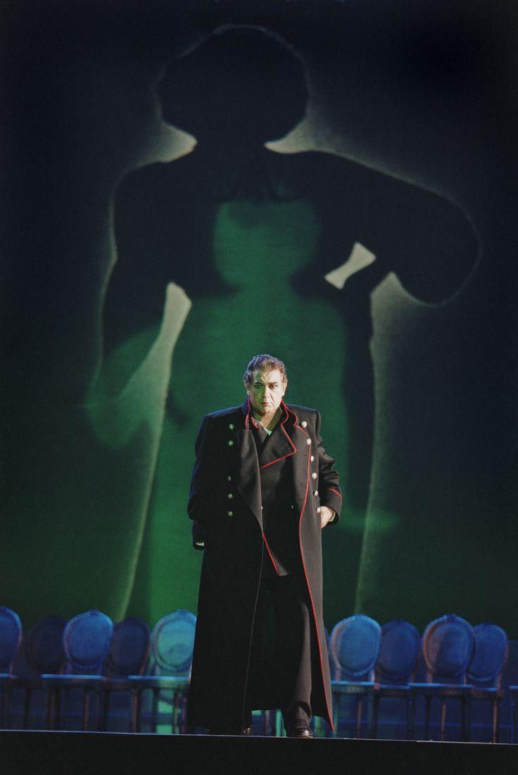 Plácido Domingo Queen of Spades (2001) Photo Credit: Ken Howard