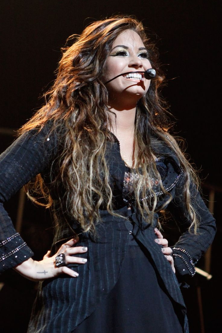 17 Best images about Demi Lovato on Pinterest | Her hair, Role ...