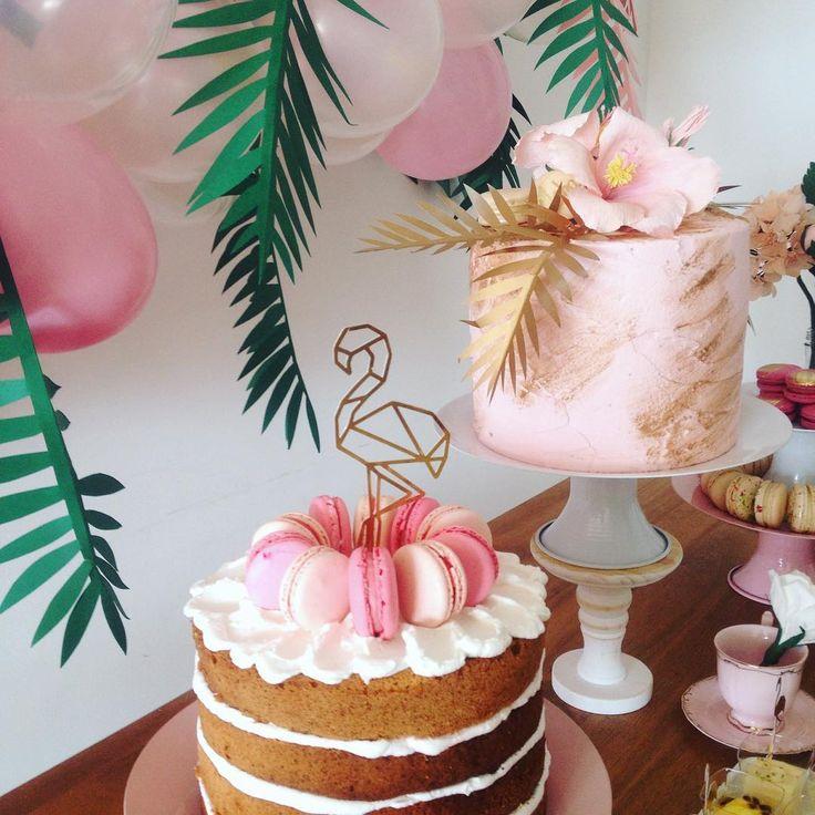 """774 Likes, 24 Comments - Toda Coisinha (@todacoisinha) on Instagram: """"Flamingos, clima tropical e gente talentosa hoje aqui na casa ateliê ✨"""""""