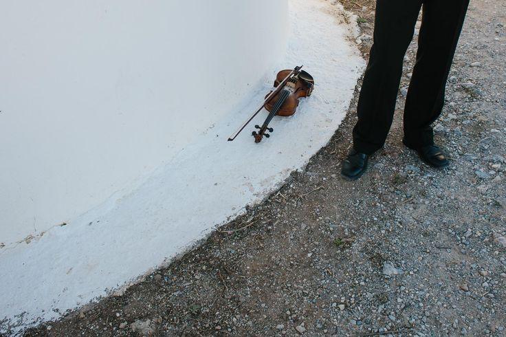 Spyros's violin resting for a moment...