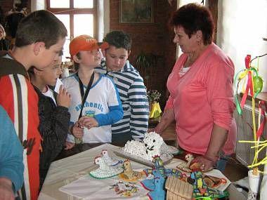 Návštěvníci prodejní výstavy v Mikulovicích