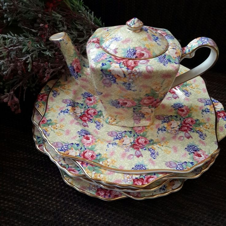 Royal Winton chinz  teapot & salad plates