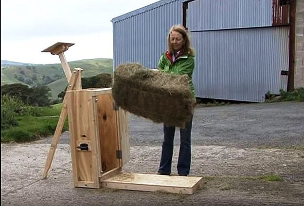 How To Bale Hay Using Hand Hay Baler Tutorial | DIY Homesteading Projects by Pioneer Settler at http://pioneersettler.com/bale-hay-using-hand-hay-baler/