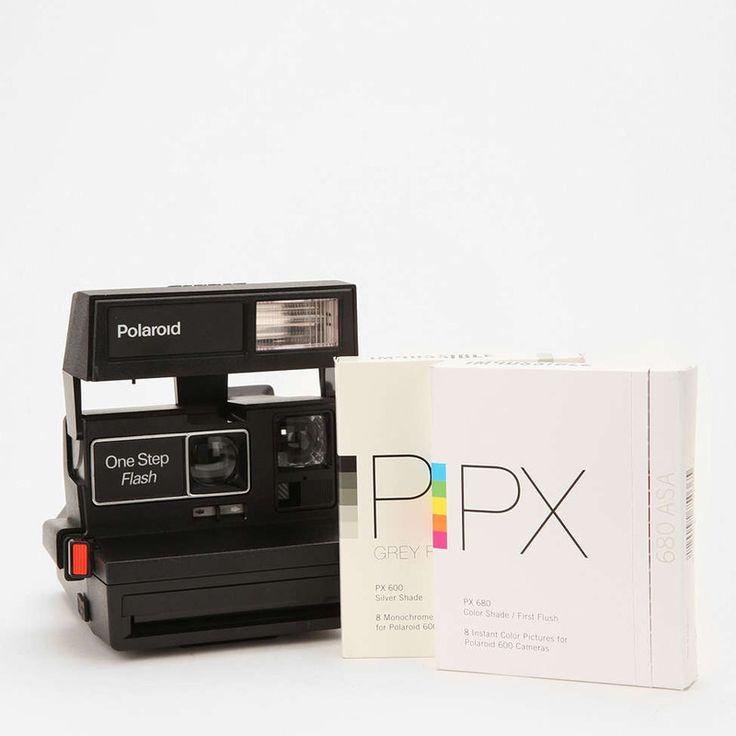 Vintage Polaroid 600カメラキットです。 同梱内容&ケア: プラスチック、電子装置  拭いてください  改装された Vintage Polaroid Sun 600カメラ、PX 680 Color Shade First Flush フィルム1パック、PX 600 Silver S