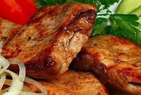 Tasty, juicy, fragrant barbecue in multivarka.