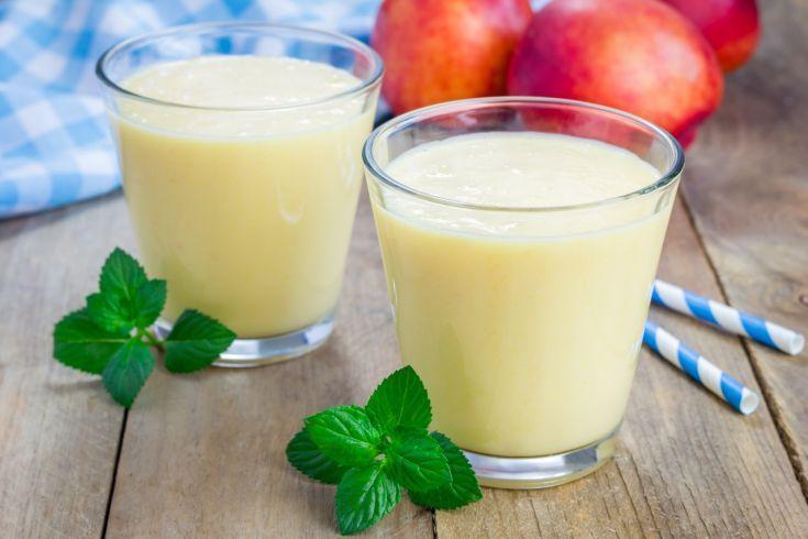 Jogurtové smoothie z broskyne